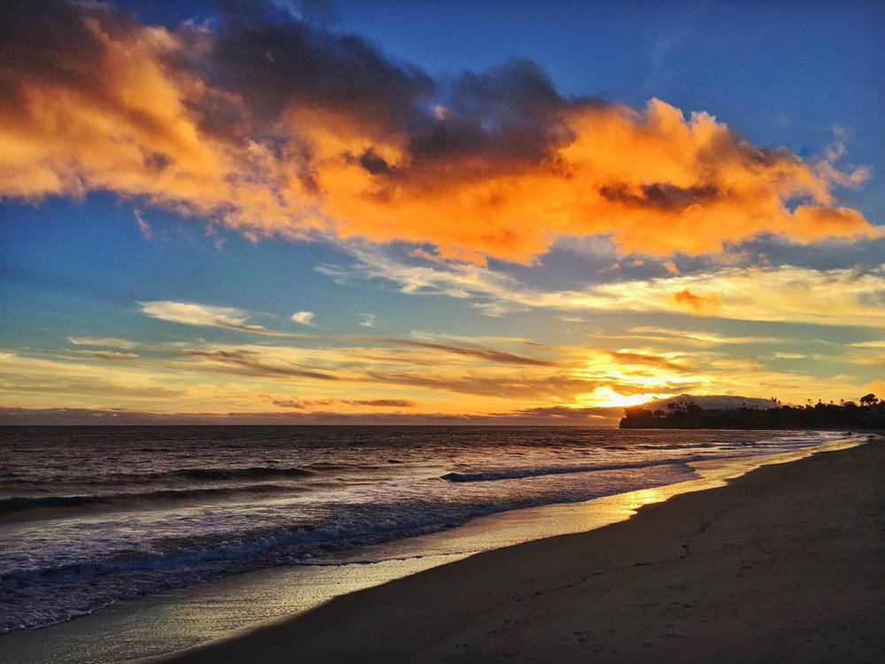 wait-but-this-is-a-real-place-guys-gorgeous-sunset-on-the-beach-in-santabarbara-chilly-but-technicolor-dreamworld-adventure-wanderlust-travel-letsgo-355365_23383938523_o.jpg