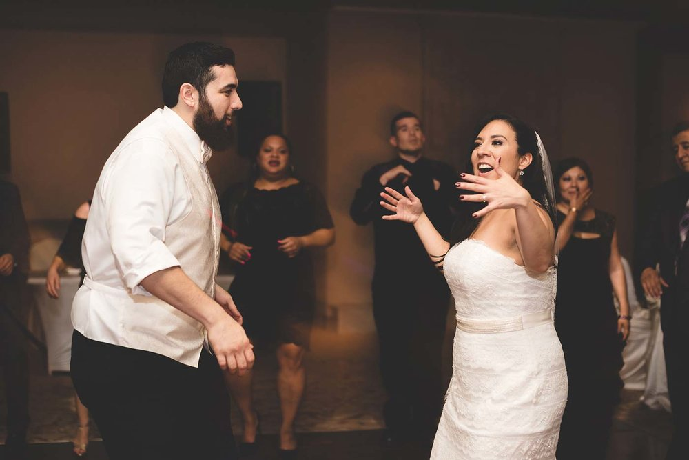 sYolanda-and-Moses---07-Reception,-Dancing-67.jpg