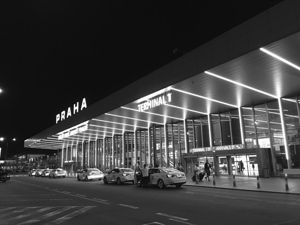 Praha, Airport.