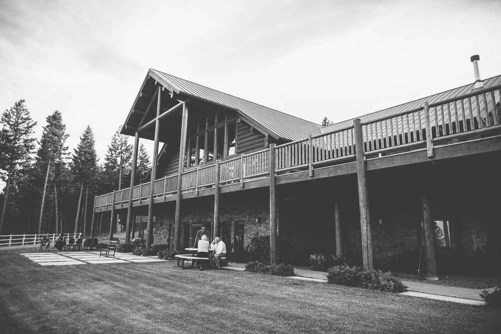 BW-lodge-facade.png