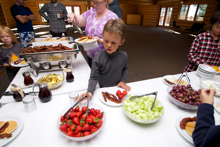 Spruce-Lodge-Flathead-Lake-Dining_Meals.jpg