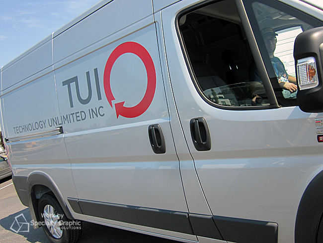 spinter van graphics tui.jpg