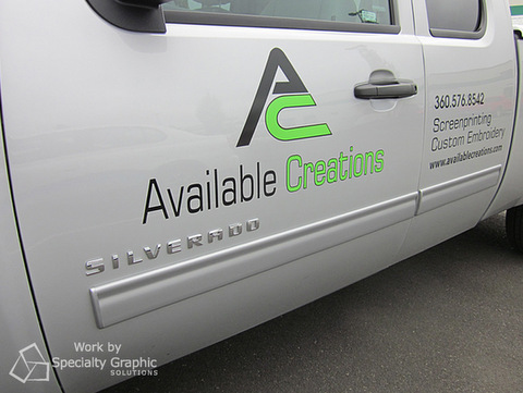 Vehicle vinyl lettering Portland OR