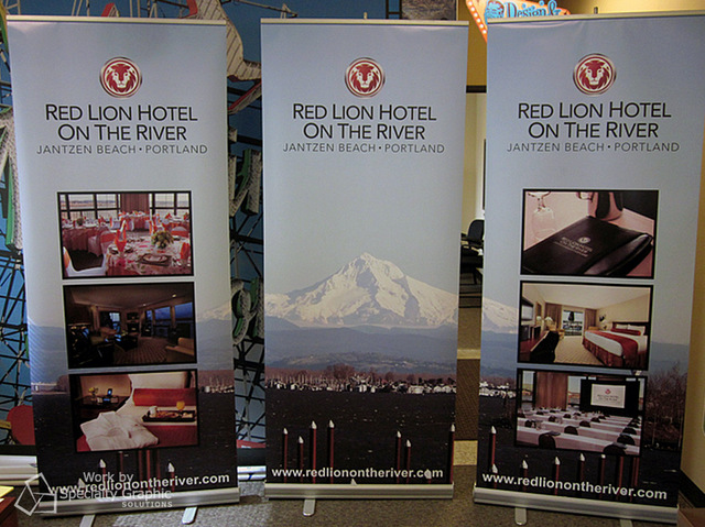 Welcome with Retractable Banner Stands in Vancouver WA