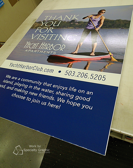 Signs for Yacht Harbor Apartments in Portland OR.jpg