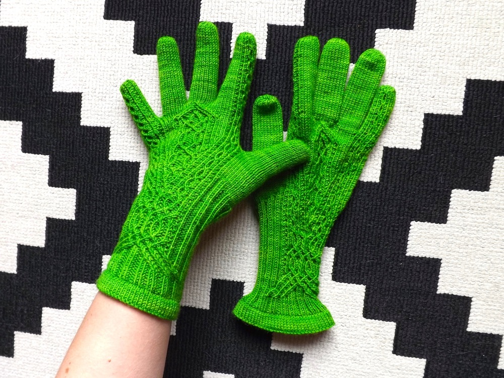 Meisi Gloves Wollmeise 1
