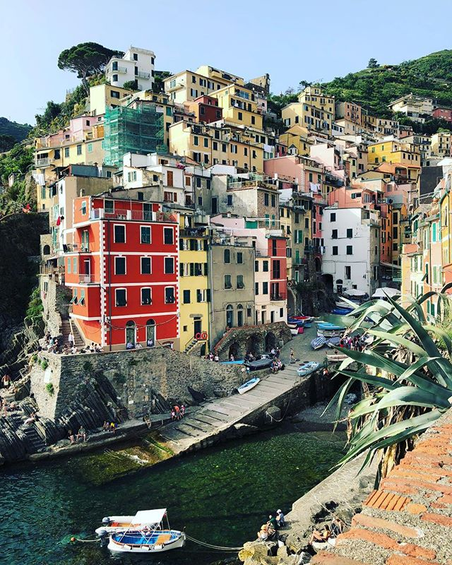 Riomaggiore, Cinque Terre, IT * * The fifth and smallest town in Cinque Terre. What's not pictured is the 50 people behind me sipping Aperol Spritz or that I was about to become 51. * * #cinqueterre #italy #riomaggiore #liguria #sunset #coastallife