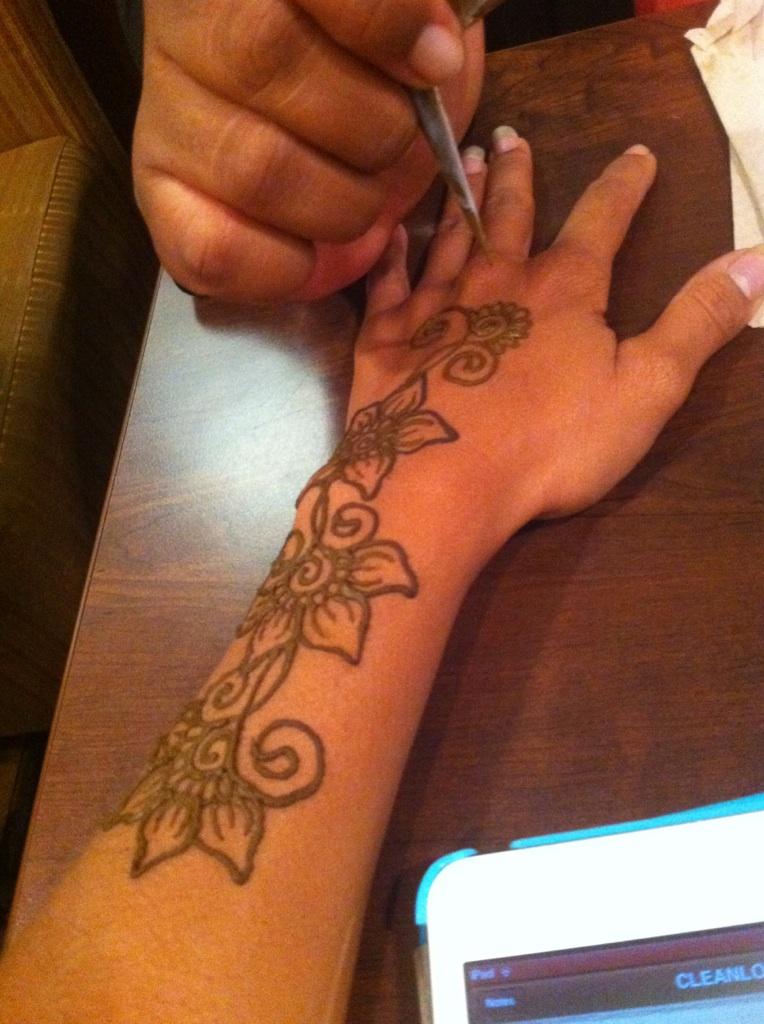 Carnival Henna1.jpg