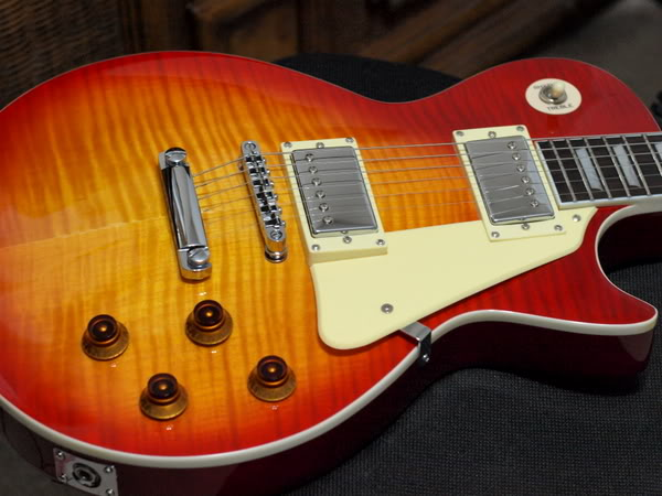 fake-gibson-les-paul.jpg