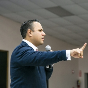 A.C. delivering a parent program in Laredo, TX.