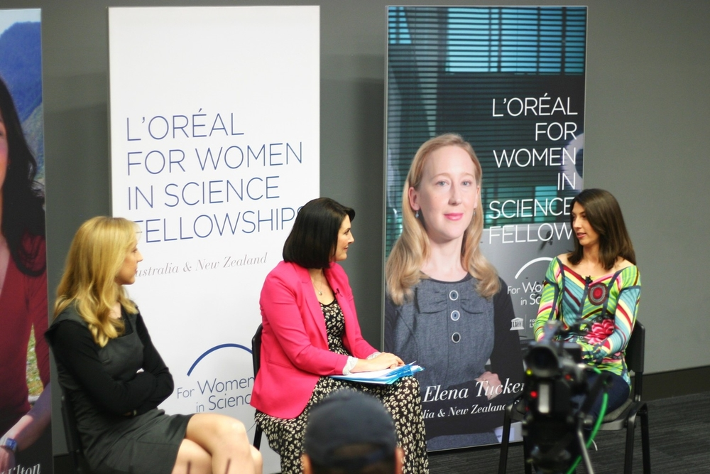 Dr Elena Tucker (L) and Dr Zoe Hilton (R) at the L'Oreal Girls in Science Forum