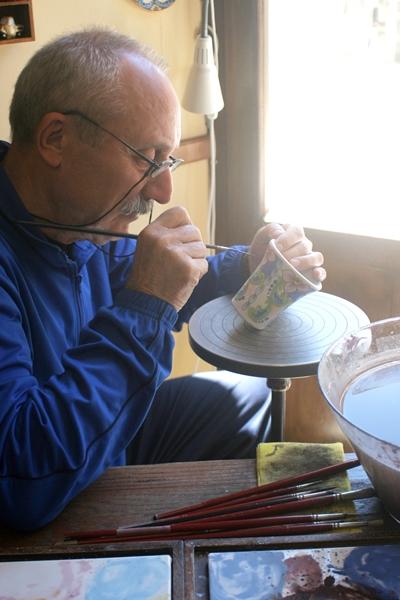 Artisan painting ceramics, Erice