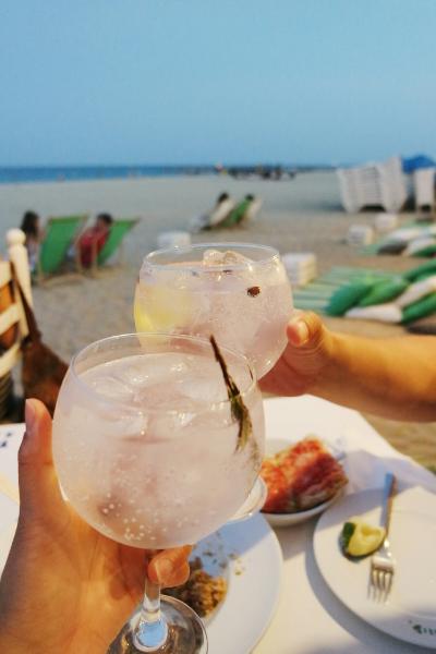 gin tonic beach barcelona