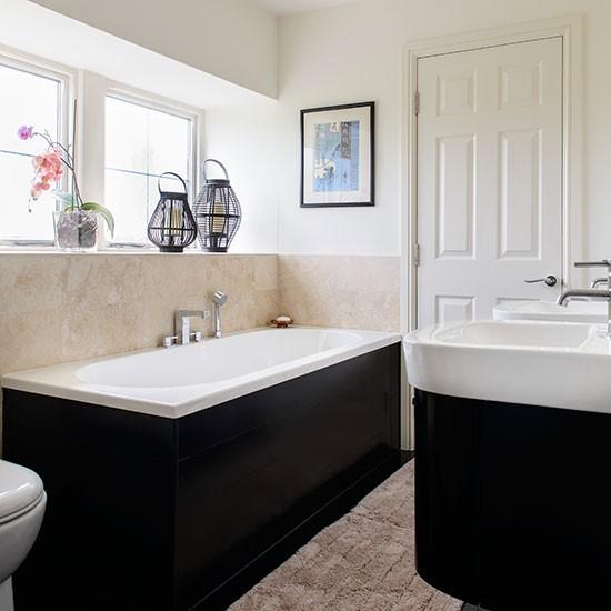 Black-and-Cream-Bathroom-25-Beautiful-Homes-Housetohome.jpg