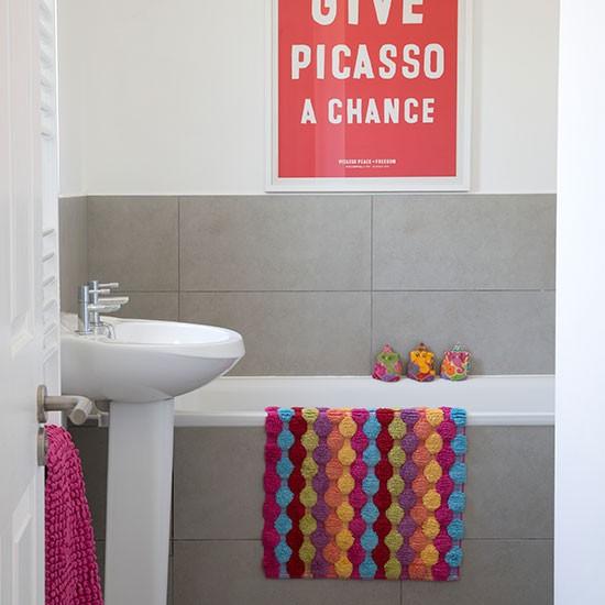 Grey-and-Multi-Coloured-Bathroom-25-Beautiful-Homes-Housetohome.jpg