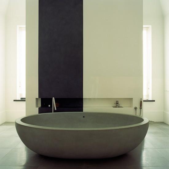 Minimalist-White-Bathroom-Homes-and-Gardens-Housetohome.jpg