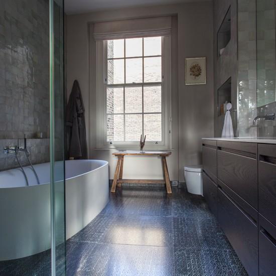 Mother-of-Pearl-Tiled-Bathroom-Homes-and-Gardens-Housetohome.jpg
