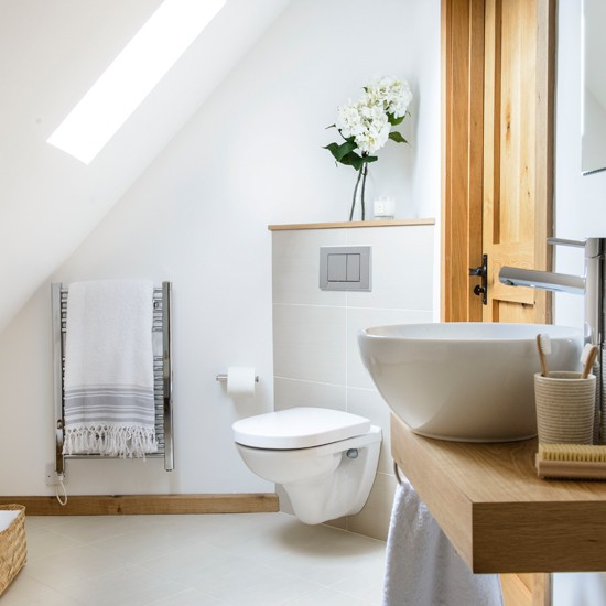 Oak-and-White-Bathroom-Ideal-Home-Housetohome.jpg