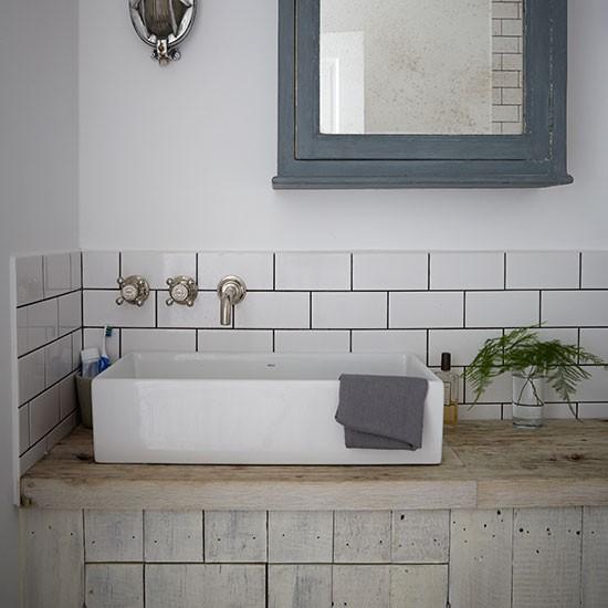 Shabby-Chic-Bathroom-Livingetc-Housetohome.jpg