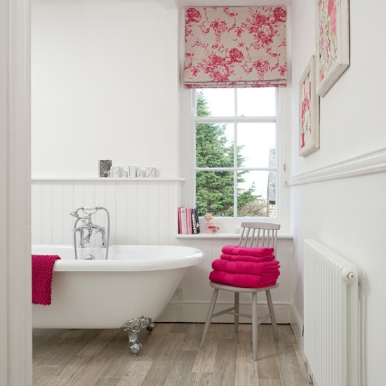 White-Tongue-and-Groove-panelled-Bathroom-Ideal-Home-Housetohome.jpg