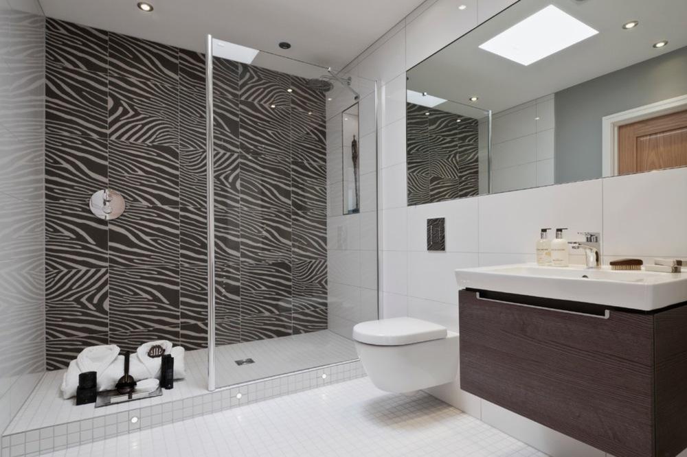 Bathroom penthouse Mayfair.jpg