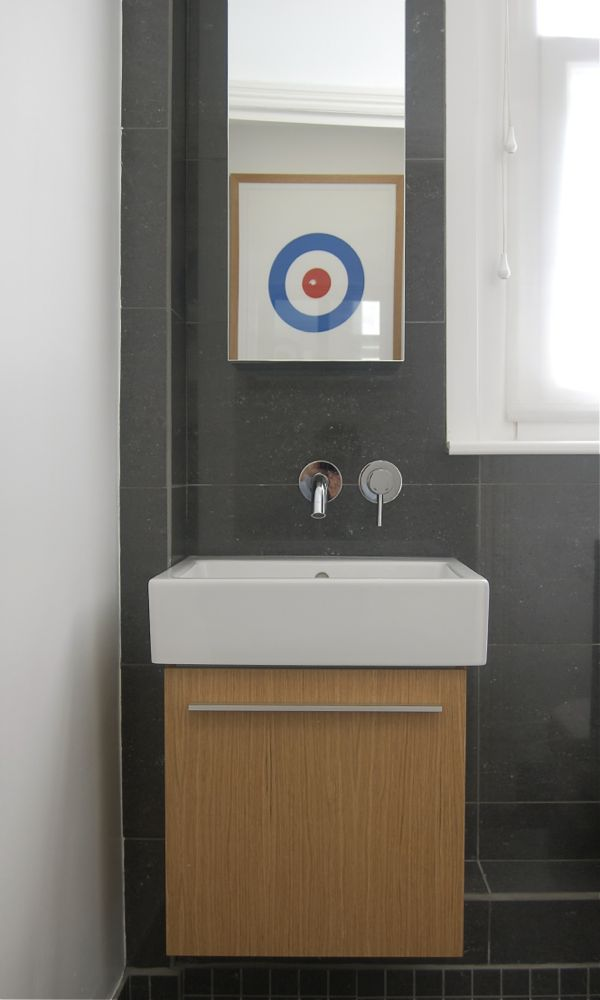 Bathroom design Surrey09.jpg