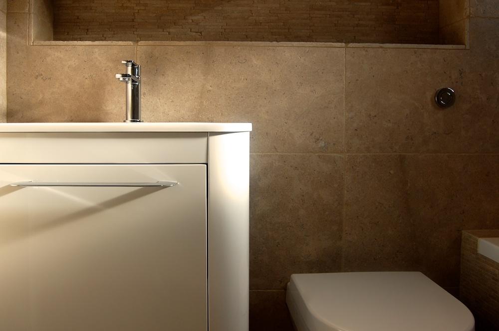 Bathroom designers in Surrey (2).jpg