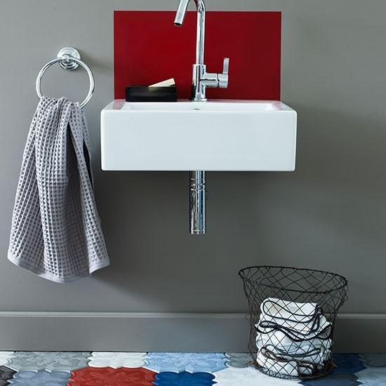 Bold-patterned-cloakroom-bathroom.jpg