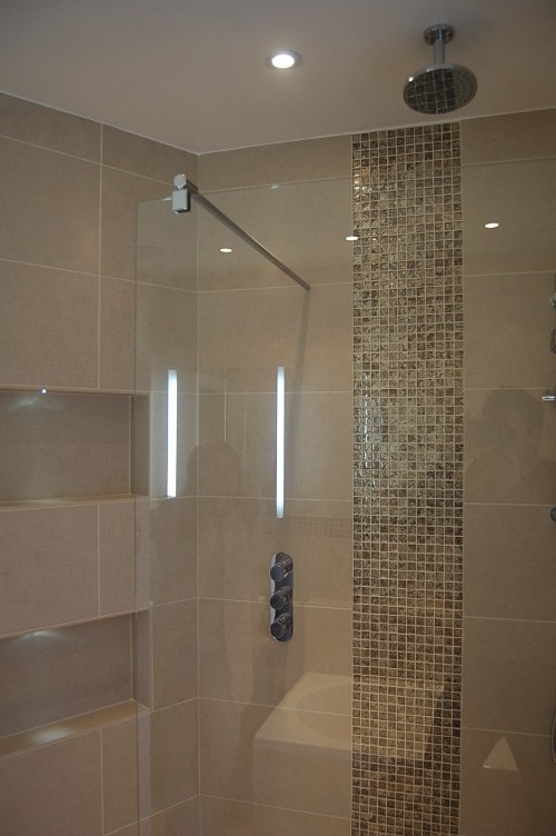 Bathroom recesses and feature lighting10.jpg