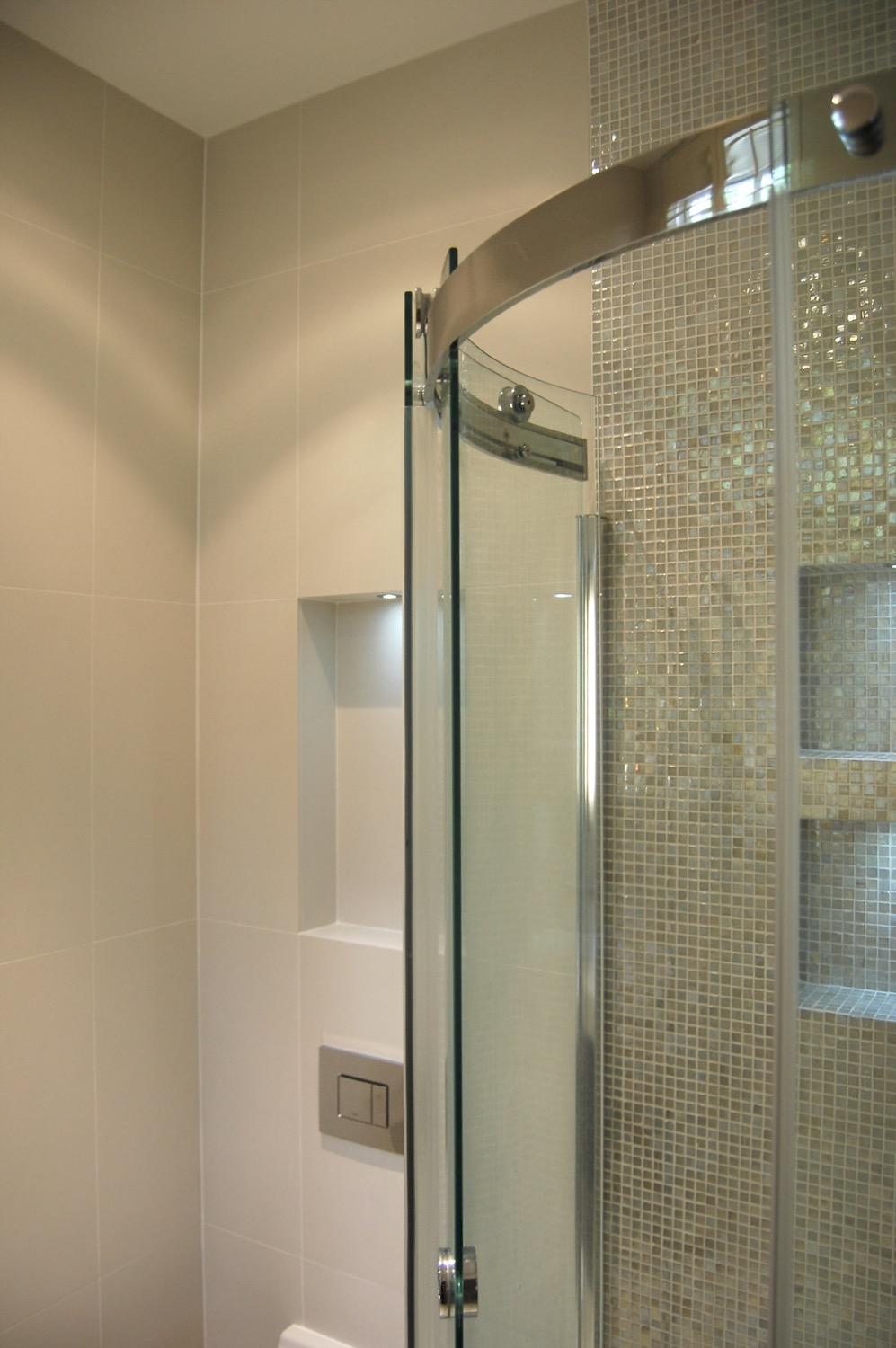 Bathroom recesses and feature lighting12.jpg
