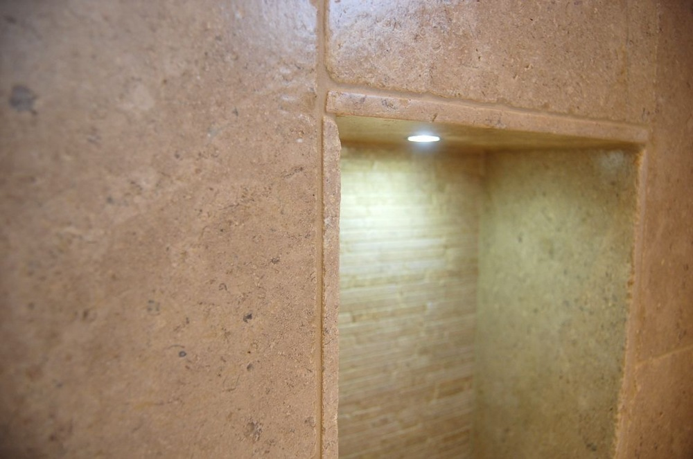 Bathroom recesses and feature lighting21.jpg