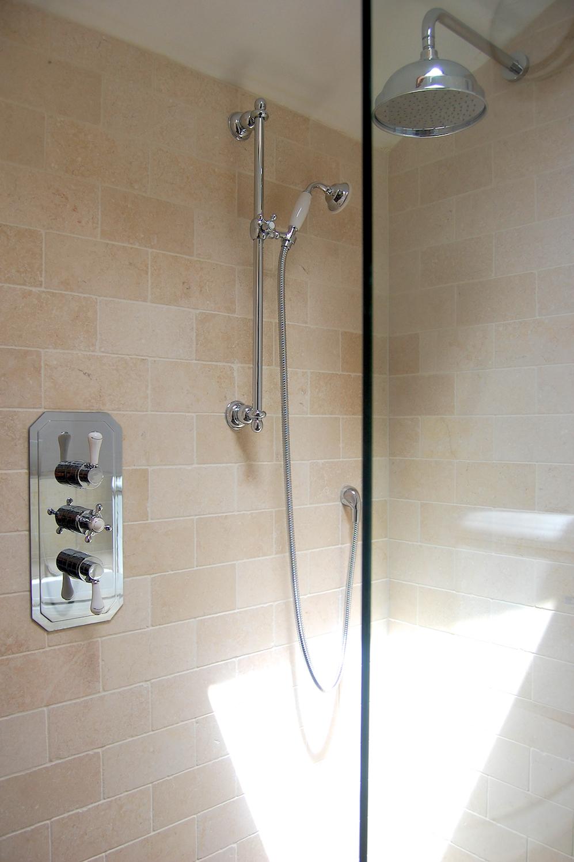 Wet-floor traditional bathroom refurbishment in Twickenham 3.jpg