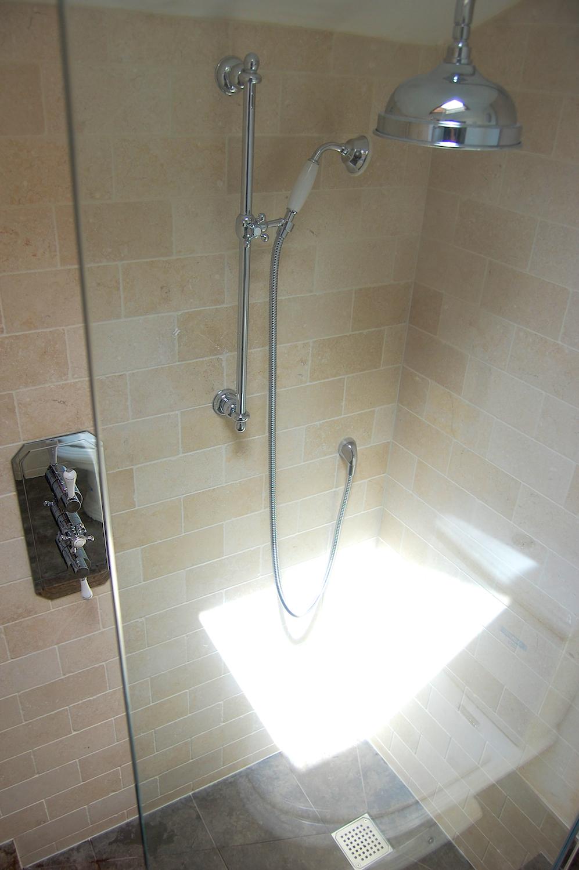 Wet-floor traditional bathroom refurbishment in Twickenham 7.jpg