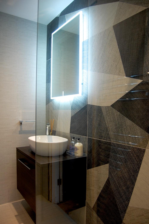 Windlesham bathroom June 2016 762.jpg