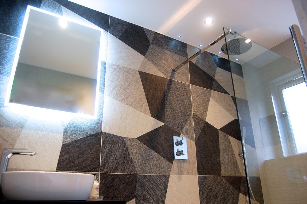 Windlesham bathroom June 2016 749.jpg