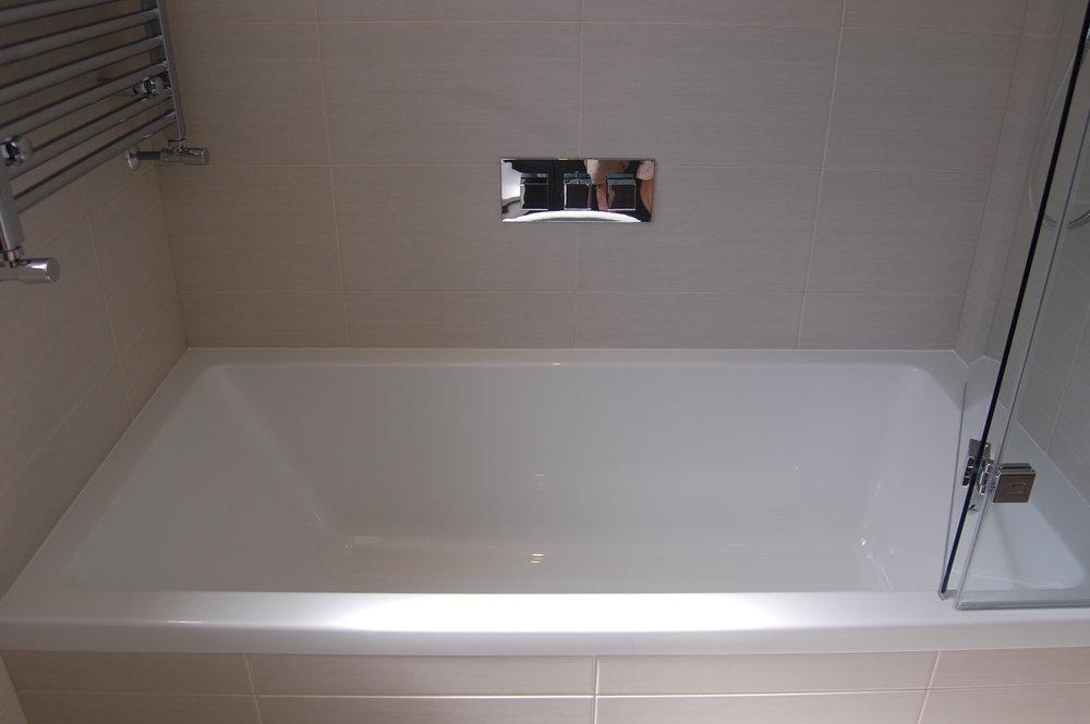 Bathroom in Wokingham Montrose Flova Retreat Bathrooms Design - 5.jpg