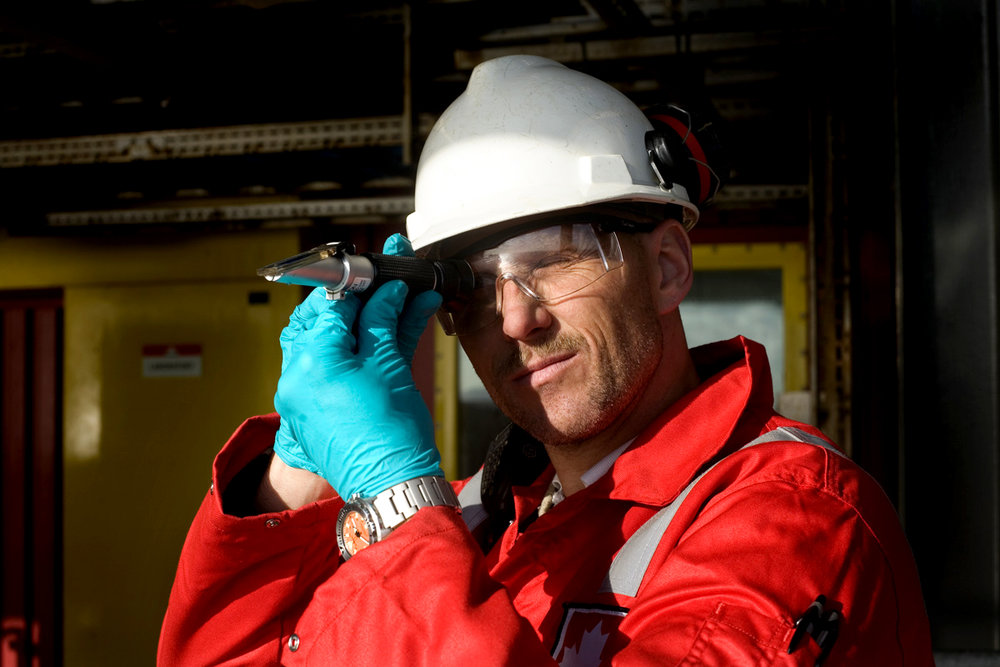 An employer working on an oil rig controls the oil.   Use: A book ('Netherlands National Water plan')   Cliënt:    Ministry of Transport, Public Works and Water Management