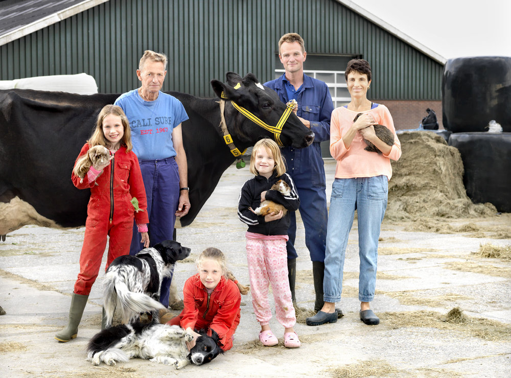 Portraits of families who sell their milk to the Beemster cheese company.   Use: Social media and extern communication.   Cliënt: Beemster cheese