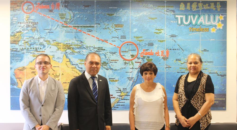 First Secretary Carlos Eduardo Meyer Sosa, Ambassador Minute Alapati Taupo, Ambassador Olga Maria Aguja Zuniga, and First Secretary Seleta Kapua Taupo /梅卡羅一等秘書、陶敏德大使、亞谷華大使與陶思靈一等秘書