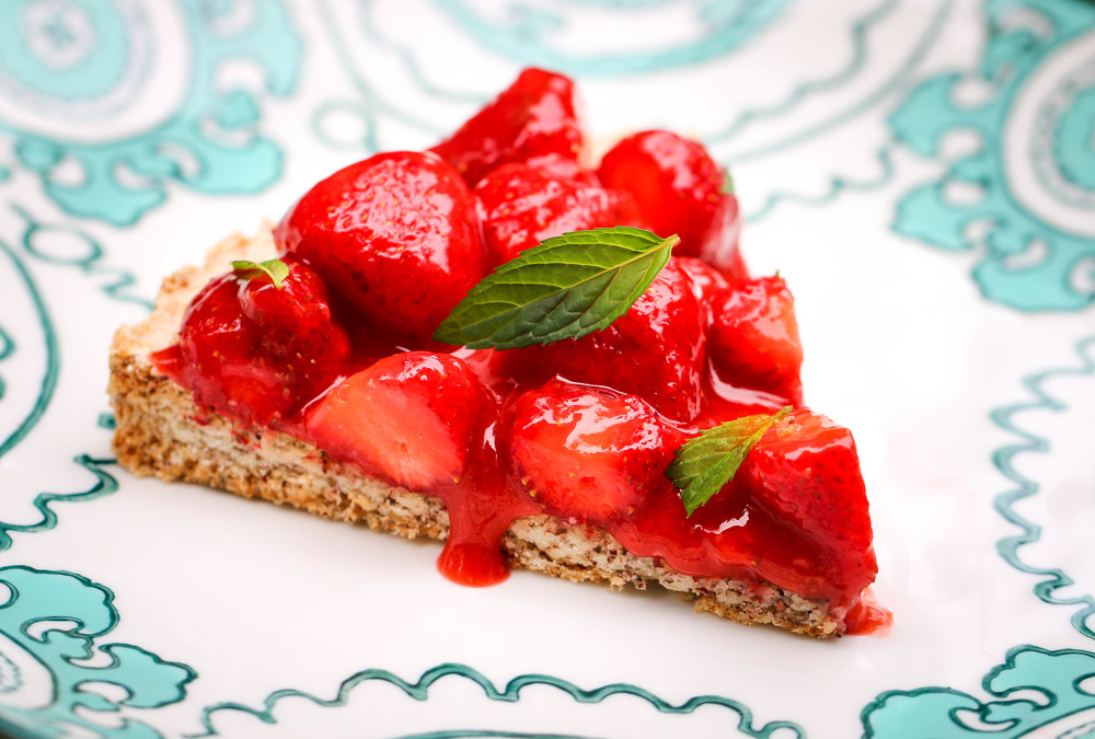 http://www.thehungryhounds.com/blog/2014/6/22/hazelnut-tart-with-fresh-strawberries