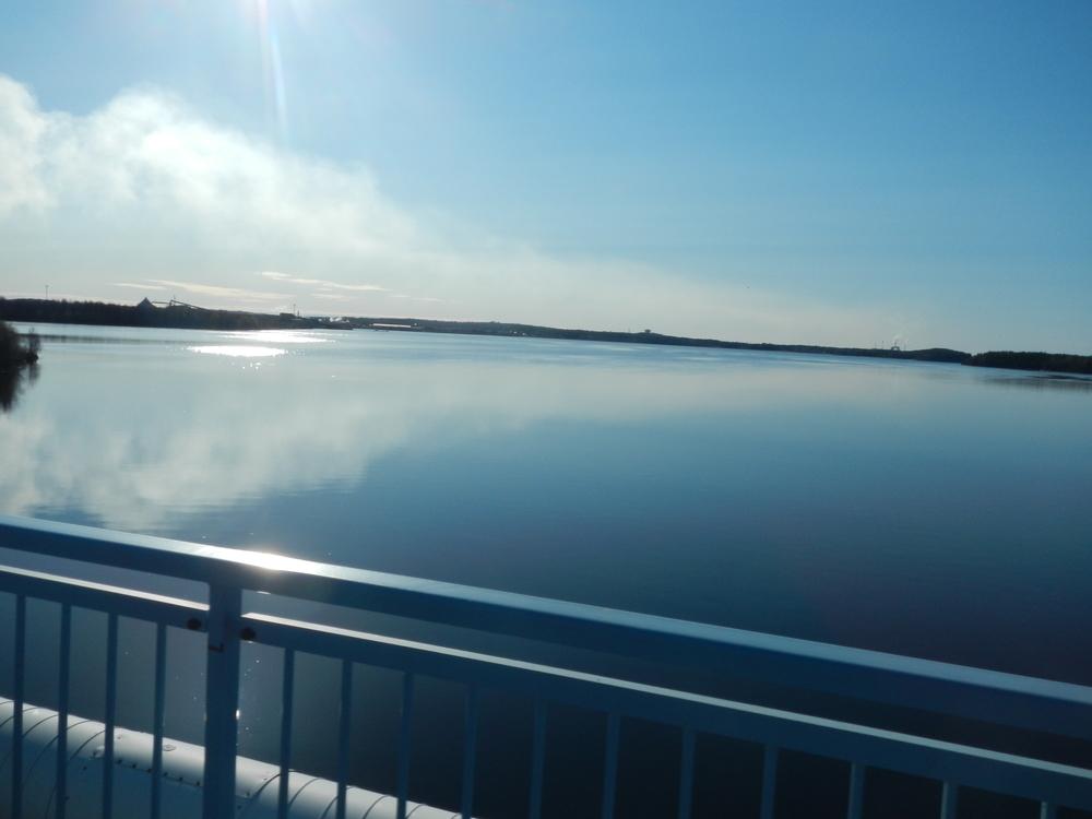 Vacker utsikt från bron.