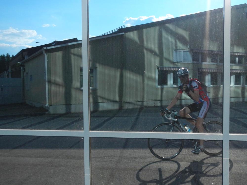 På väg till klubbcyklingen.