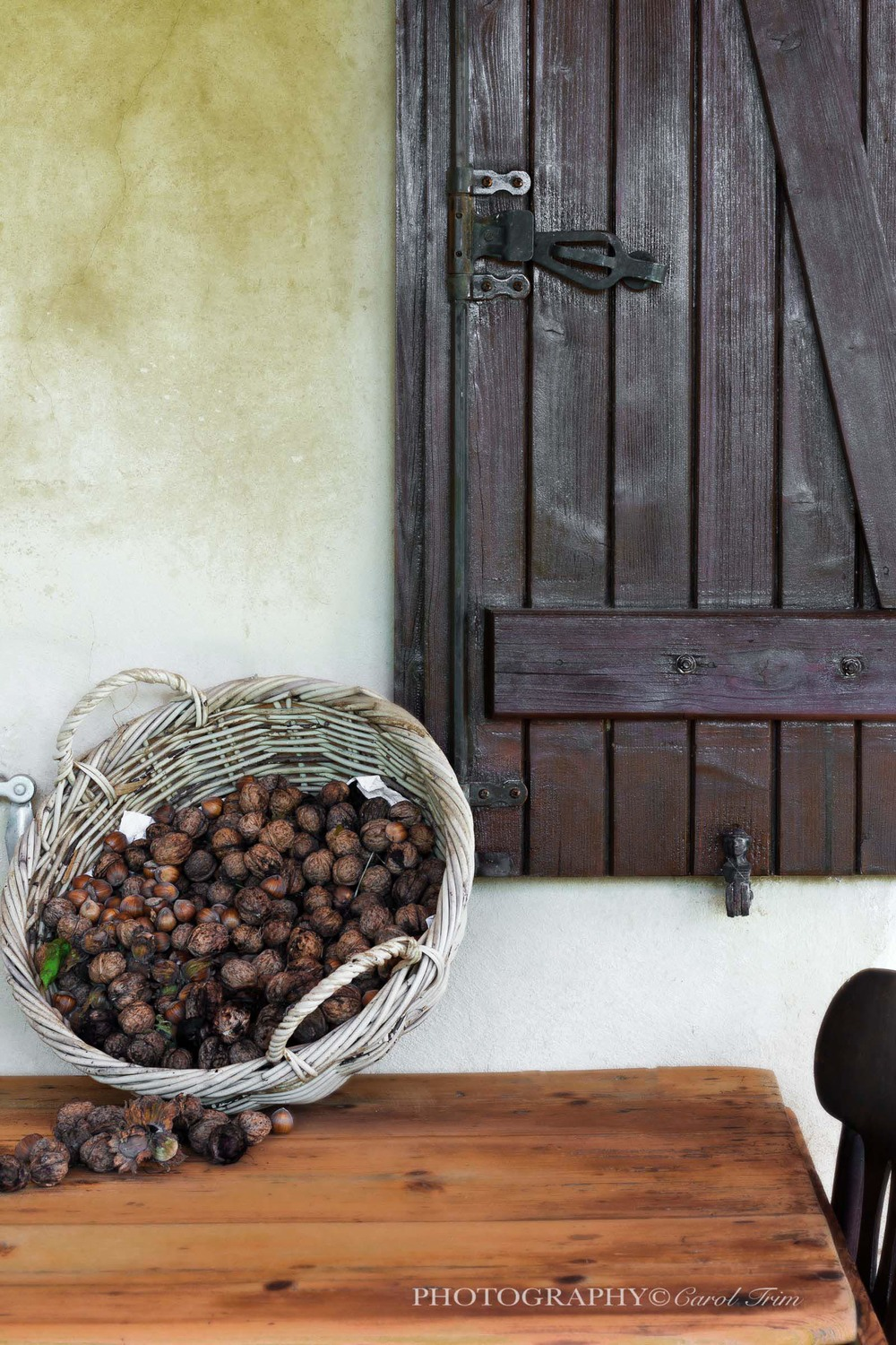 Shutters and walnuts