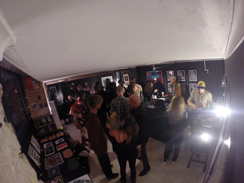 Red Door Studio opening. DJ Sofa T.    Aug 2014                              Photo by SørenForsom (aka. Face it)
