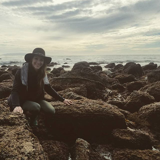 We spent Sunday at a (tide) pool. #whattemperaturewasit #thecrabwasthisbig #hats #kaitiesavedaseasnail