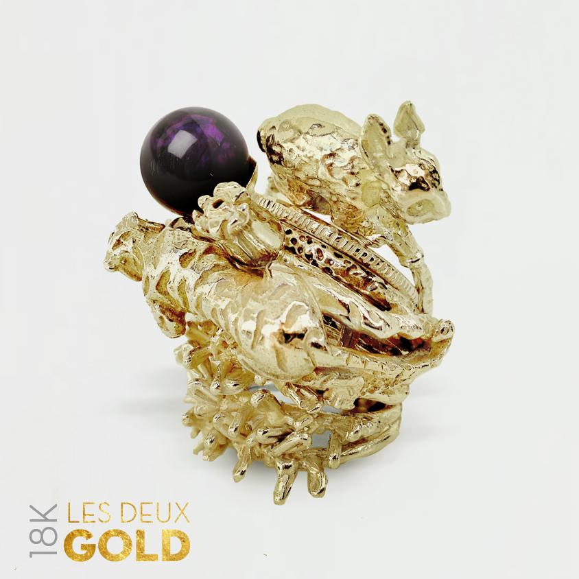 LES-DEUX-GOLD-01.jpg