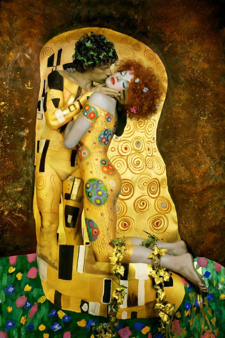 Klimt The Kiss Living Statue Makeup
