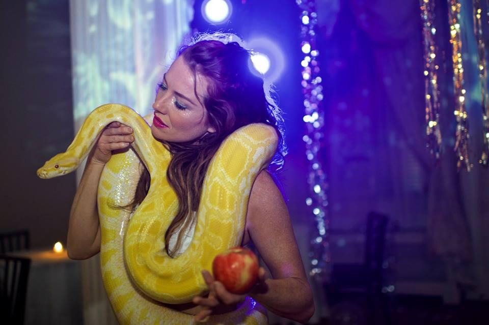 Snake Dancer / Albino Python