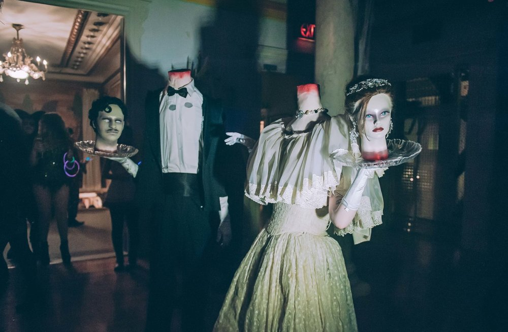 Headless Ghosts / Photo: Jane Kratochvil