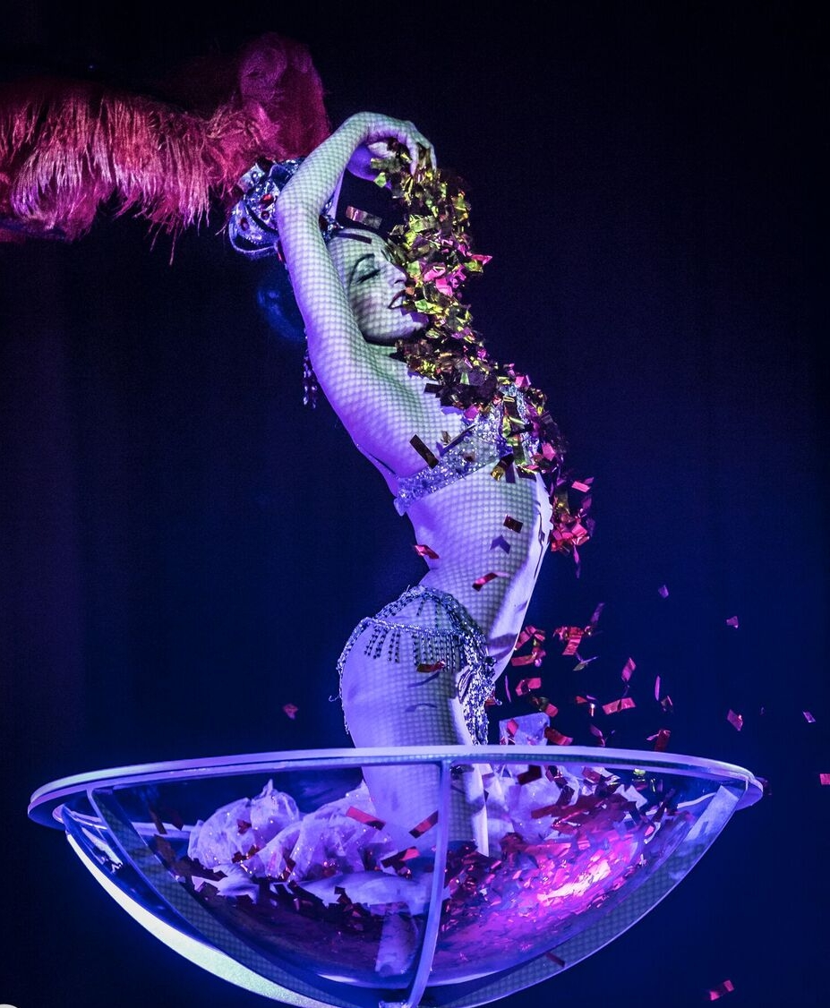 Showgirl in a Giant Martini Glass / Photo: Mark Shelby Perry